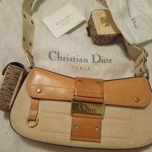 Dior shoulder bag with interchangeable pieces.